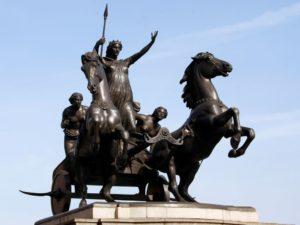 Denkmal für Königin Boudicca auf ihrem Streitwagen