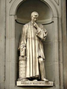 Statue von Niccolo Machiavelli in Florenz