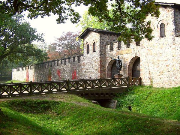 Porta Prätoria des Kastells Saalburg am römischen Limes