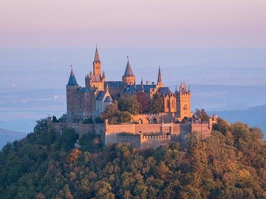 Burg Hohenzollern - Stammsitz des alten deutschen Adelsgeschlechts
