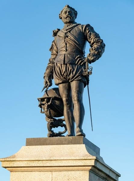 Statue von Sir Francis Drake in Plymouth