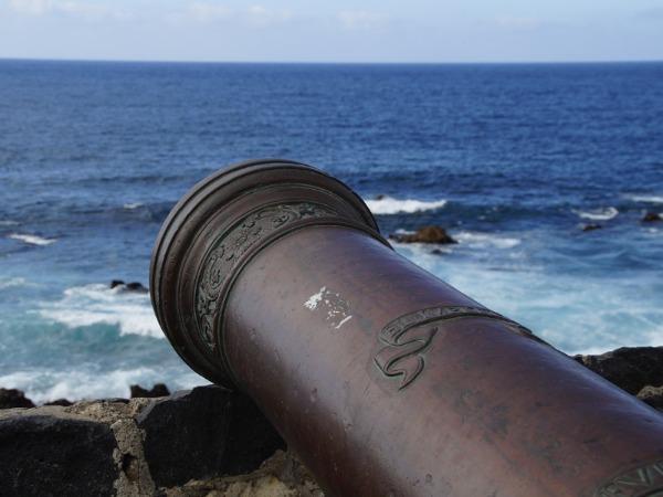 Sir Henry Morgan installierte Kanonen in Port Royal