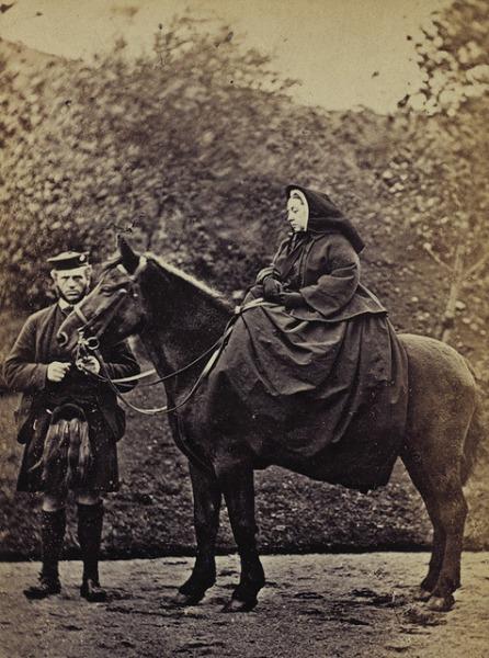 Königin Victoria zu Pferde mit John Brown
