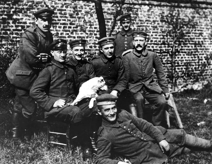 Adolf Hitler Erster Weltkrieg Gruppenfoto