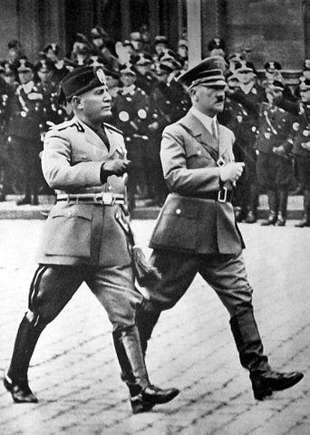 Benito Mussolini mit Adolf Hitler